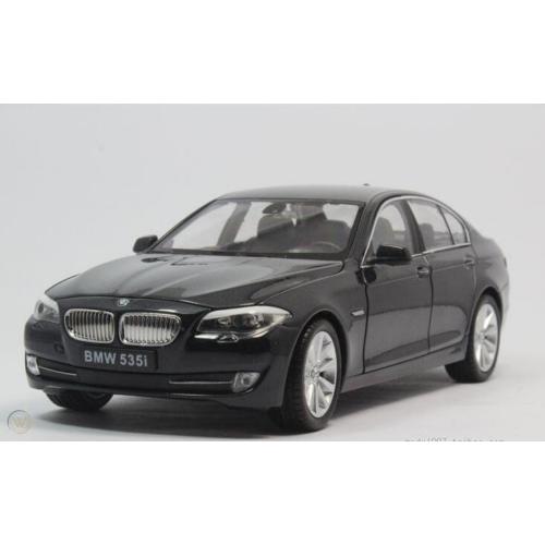 BMW F10 535i (fekete)