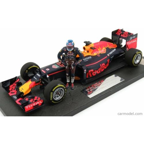 Red Bull F1 RB12 Ausztria GP  (D. Ricciardo) *Figurával*
